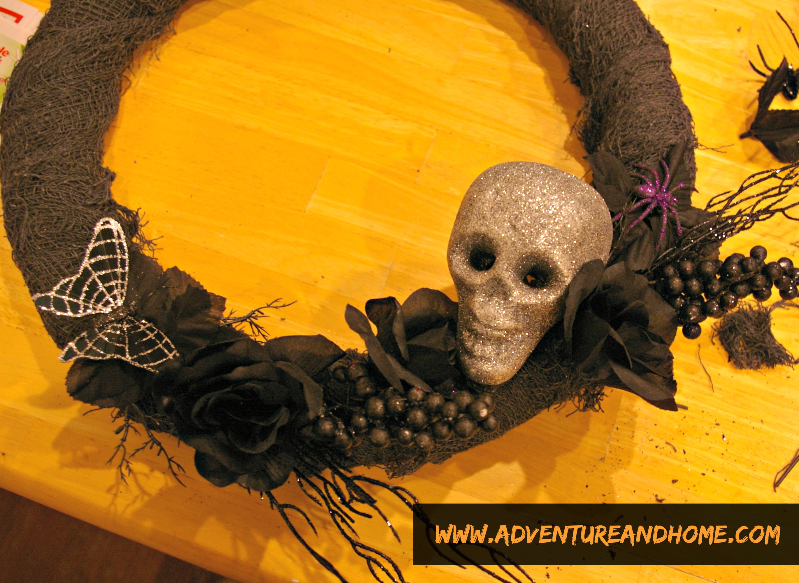 How To Make The Halloween Wreath of Your Dreams (and link party info)